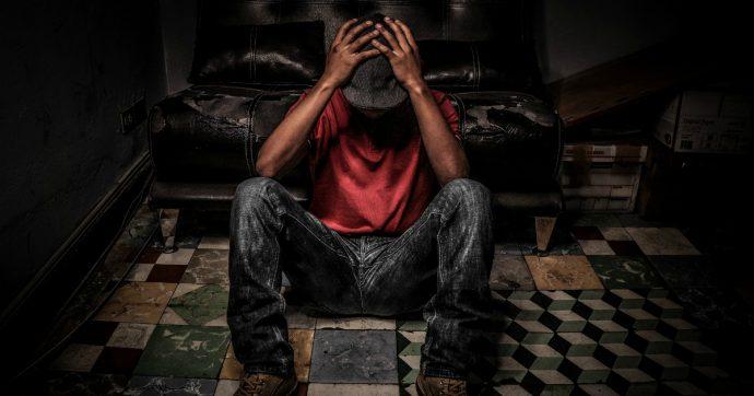 Suicidarsi a 14 anni perché si hanno troppe atrocità sulle spalle