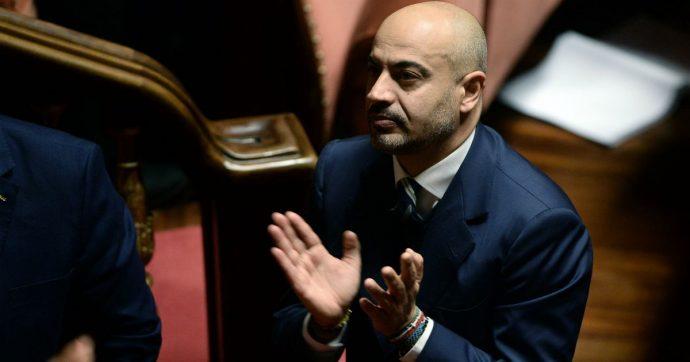 """M5S, Gianluigi Paragone espulso dai probiviri: """"Tra i motivi il voto contrario alla manovra"""". Lui: """"Sono stato cacciato dal nulla"""""""