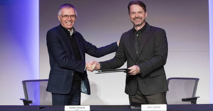 Fca-Psa, c'è l'ok alla fusione: nasce il quarto costruttore automobilistico del mondo. John Elkann sarà presidente e Carlos Tavares ceo