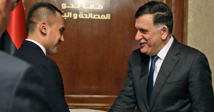 """Libia, Di Maio vede al-Sarraj: """"2 luglio riparte negoziato per nuovo memorandum migranti. Proposte Tripoli vanno nella giusta direzione"""""""