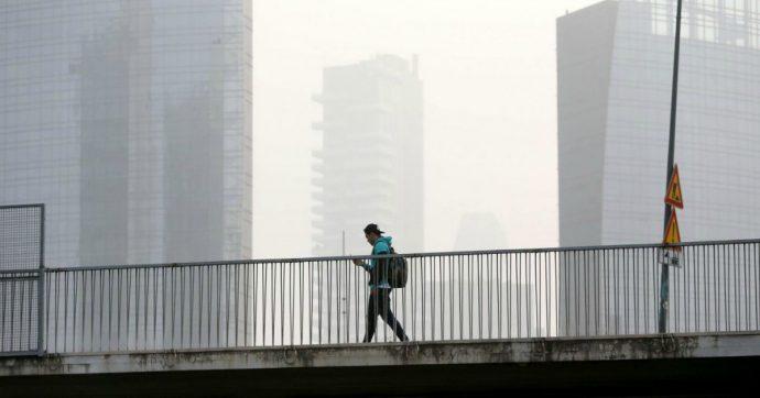 Emergenza Smog, a Torino l'aria più inquinata nel decennio. Nel 2020 Frosinone e Milano maglia nera. Ogni anno oltre 60mila morti