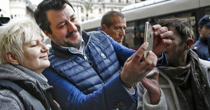 Salvini-Berlinguer, quelle parole sono selfie coi disperati