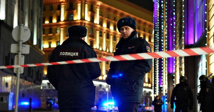 Mosca, identificato l'autore dell'attacco alla sede dei Servizi: è una guardia giurata 39enne. Morto un secondo agente del Fsb