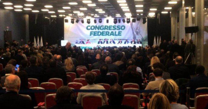 """Lega Nord Padania, cambia lo statuto. Bossi: """"Noi concediamo, Salvini non può imporci un cazzo. Vuole il simbolo? Raccolga le firme"""""""