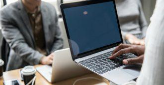 """Smartworking, i consigli per gestire tempo e spazi: """"Attenzione a sedie, schermi e tastiere. Ogni due ore al pc 15 minuti di pausa"""""""