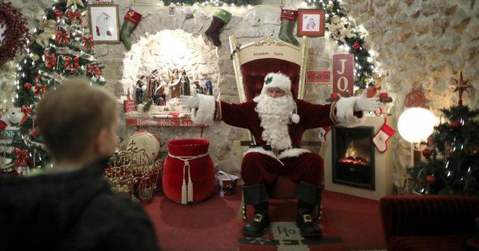 Babbo Natale fa visita in una casa di riposo ma è positivo al Covid: gli anziani morti salgono a 26, 125 i contagiati