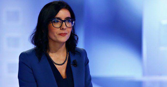 """Fioramonti dimesso, la ministra M5s Dadone: """"Se hai coraggio, non scappi"""". Gelo dei 5 stelle, critiche di Italia Viva: """"Non lo si è mai visto"""""""