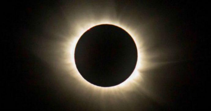 Oggi l'eclissi anulare di sole, visibile anche in Italia: ecco a che ora, dove e come osservarla