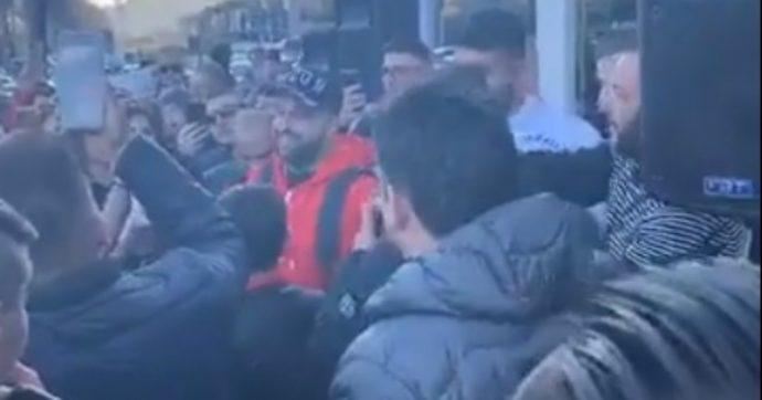 """Salerno, la denuncia di Borrelli (Verdi): """"Cantante neomelodico canta in strada e fa dedica a chi sta al 41bis"""""""