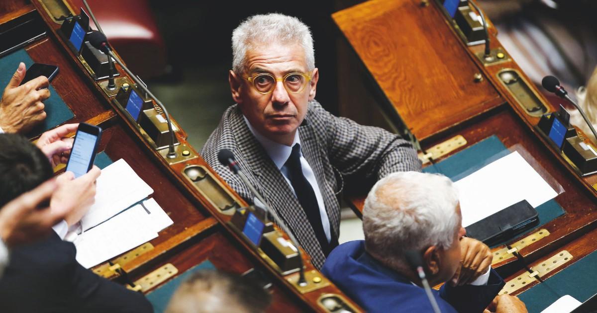 """Sozzani, il Riesame sul deputato di Forza Italia salvato dalla politica: """"Necessaria la custodia cautelare, è refrattario alla legalità"""""""