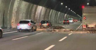 """Autostrade, la maggioranza (tranne i renziani) dopo il crollo del soffitto della galleria sulla A26: """"Ora basta la misura è davvero colma"""""""