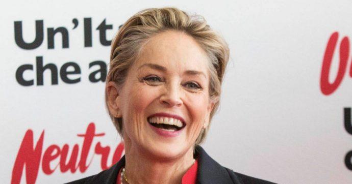 """Sharon Stone resta sull'app di incontri: """"Ho conosciuto un paio di persone interessanti"""""""