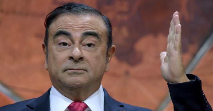 """Carlos Ghosn, """"l'ex amministratore Renault-Nissan è fuggito in Libano nascosto nella custodia di uno strumento musicale"""""""