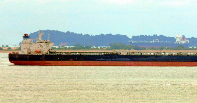 Camerun, assalto armato alla petroliera Happy Lady: 8 marinai sequestrati, cinque sono greci