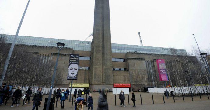 Londra, ragazzo di 20 anni strappa la tela di un quadro di Picasso: ecco cosa è successo