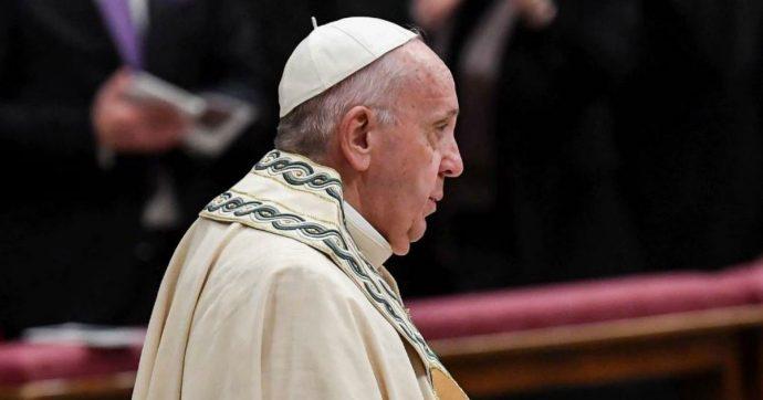 """Papa: """"Violenza su donne profanazione di Dio. Migranti incinte giudicate numeri in esubero da chi ha pancia piena e cuore vuoto d'amore"""""""