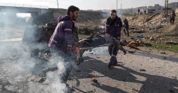 """Siria, missili di Damasco contro una scuola a Idlib: morti 8 civili, tra cui 4 bambini. Nyt: """"60 ospedali bombardati da aprile"""""""