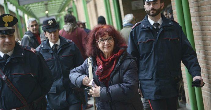 """No Tav, blitz nella redazione di Repubblica e La Stampa a Torino: """"Nicoletta Dosio libera"""""""