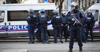 """Francia, uomo con problemi psichiatrici pugnala passanti: ucciso dalla polizia. Secondo i testimoni avrebbe gridato """"Allah akbar"""""""