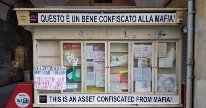 """Pisa, chiusa 'l'edicola della legalità' confiscata alla mafia e gestita da Libera: """"Un atto vile"""""""