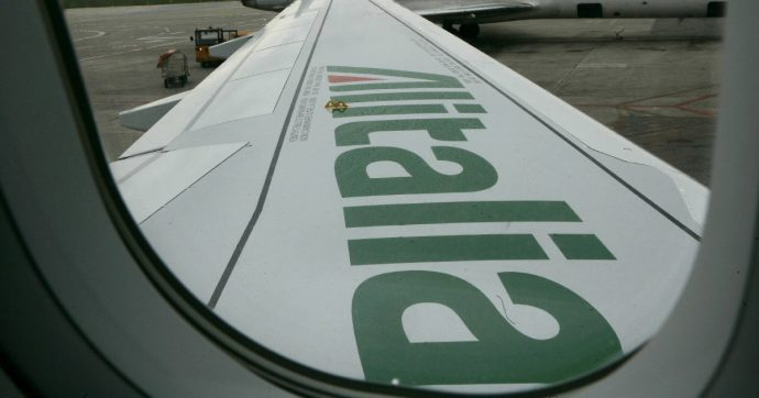 Coronavirus, Alitalia abbandona Malpensa: dal 9 marzo niente voli internazionali da e per Milano