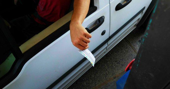 """A14, code in Abruzzo e Marche per sequestro dei viadotti. Autostrade: """"Rimborseremo gli automobilisti se rallentati da restringimenti"""""""