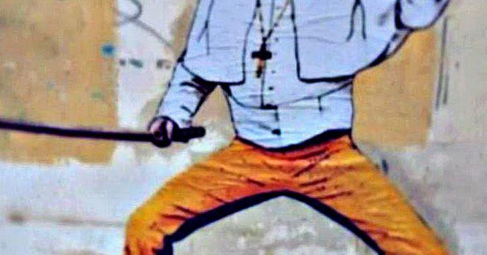 """Papa Francesco, un murales a Roma lo raffigura come Kill Bill per via dello """"schiaffetto"""" alla fedele"""