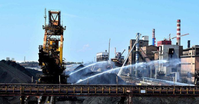 Ilva, firmato l'accordo: stop a causa e modifica del contratto. ArcelorMittal può lasciare a dicembre pagando 500 milioni di euro