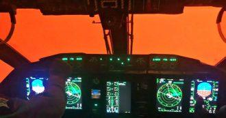"""Australia in fiamme, il cielo è completamente rosso. Il video dall'elicottero dei soccorsi: """"Fumo ostacola operazioni"""""""