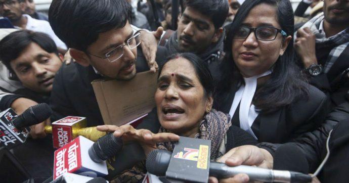 Stuprarono e uccisero studentessa, condannati saranno giustiziati per decisione dell'Alta corte indiana