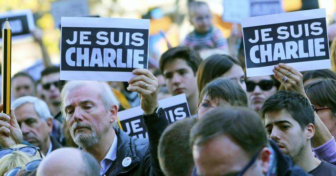 """Charlie Hebdo, 5 anni fa la strage jihadista in redazione. Il direttore: """"Dicevamo 'merde' a Dio, oggi dobbiamo dirlo a chi ci bacchetta"""""""