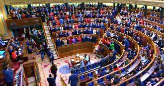 Spagna, ok del Parlamento al secondo governo Sànchez con socialisti e Podemos. Via libera con l'astensione degli indipendentisti catalani