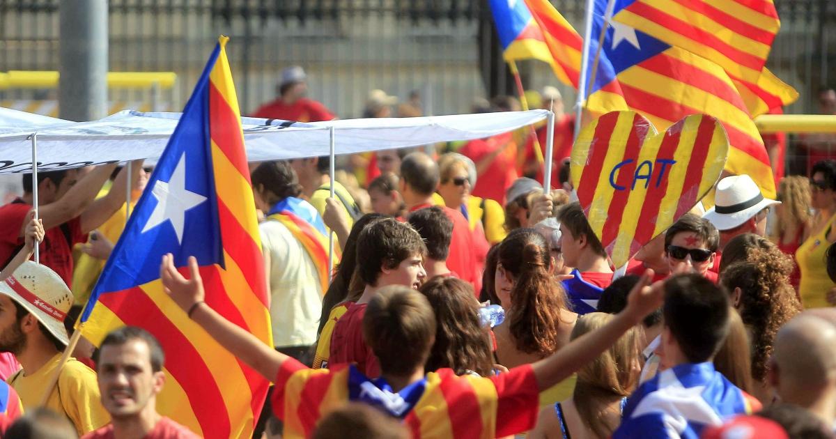 Spagna, la lezione del nuovo governo: affrontare i temi caldi premia. Altro che 'moderatoni' nostrani