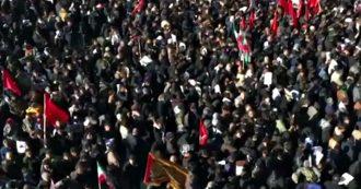 Soleimani, enorme folla per la sepoltura nella città natale Kerman: 35 persone muoiono nella calca