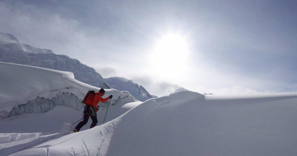 Volete scalare l'Everest con cibo, doccia e ossigeno a volontà? Vi bastano 130mila dollari