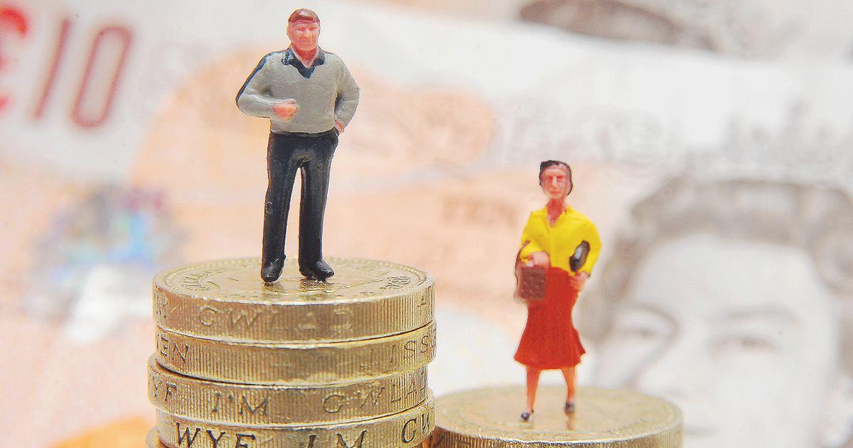 Salari e genere: se è donna, la busta paga pesa la metà
