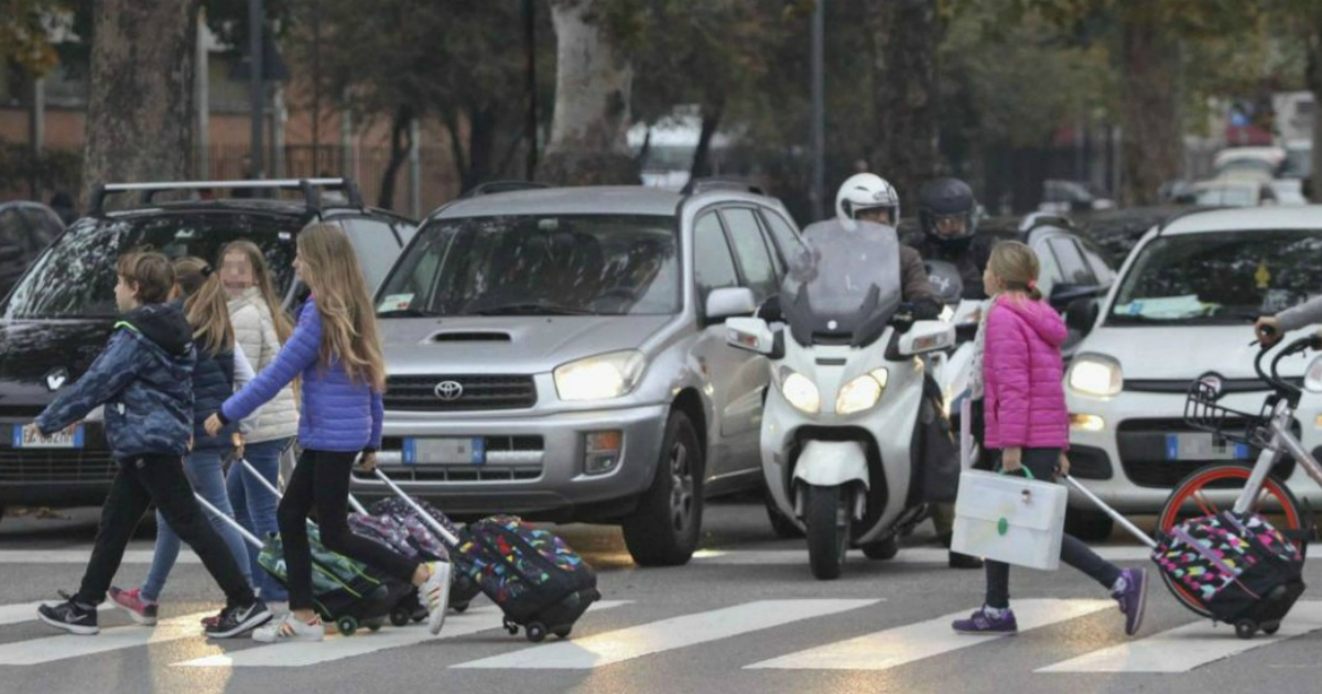 Le auto imperversano sulle nostre strade e sui nostri schermi: basta spot rivoltanti!