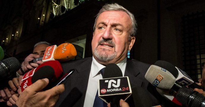 Puglia, polemiche elettorali. Emiliano stoppa un ddl che aumenta i consiglieri. Destra e Iv ancora senza candidato