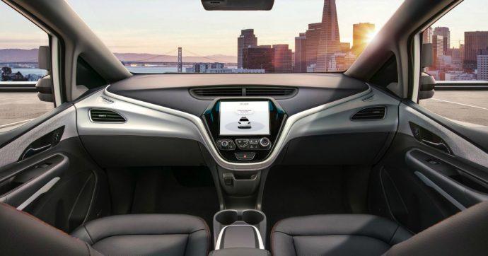 """Auto elettriche e guida autonoma, Deloitte: """"Ai consumatori non interessano"""""""