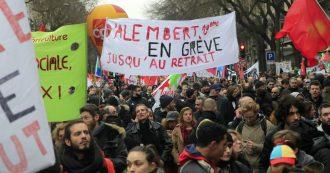 """Francia, 36esimo giorno di sciopero contro la riforma delle pensioni di Macron. I sindacati: """"216 manifestazioni in tutto il Paese"""""""