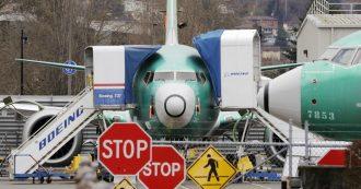 """Boeing 737 Max """"progettato da clown e controllato da scimmie"""": le mail interne della società sul velivolo da mesi a terra"""