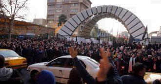 """Boeing ucraino, a Teheran proteste contro Khamenei: """"Dimettiti. Il nostro nemico è qui, non sono gli Usa"""""""