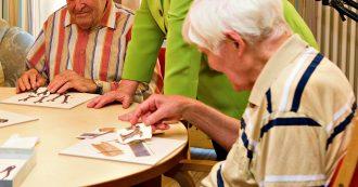 Reddito di cittadinanza, al via l'obbligo di svolgere lavori utili non retribuiti nei Comuni: dall'assistenza agli anziani al verde pubblico
