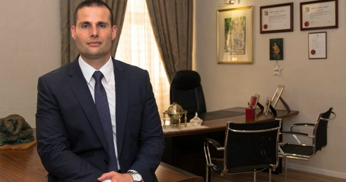 Malta, l'avvocato Robert Abela è il nuovo premier: sostituisce Muscat coinvolto nell'inchiesta sull'omicidio di Caruana Galizia