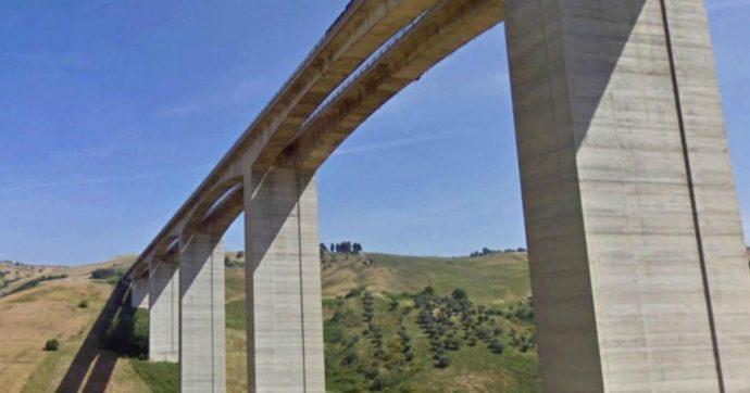 """A14, """"la frana si sposta e preme sui piloni, le cerniere temporanee non sono adatte"""": perché il giudice ha proibito il viadotto Cerrano ai tir"""