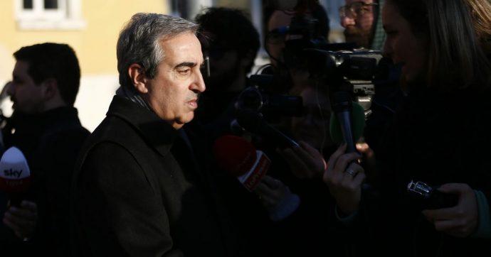 """Gregoretti, Gasparri dice: """"Io arbitro"""". Poi il suo voto è decisivo per il no alla richiesta di documenti: maggioranza abbandona riunione"""