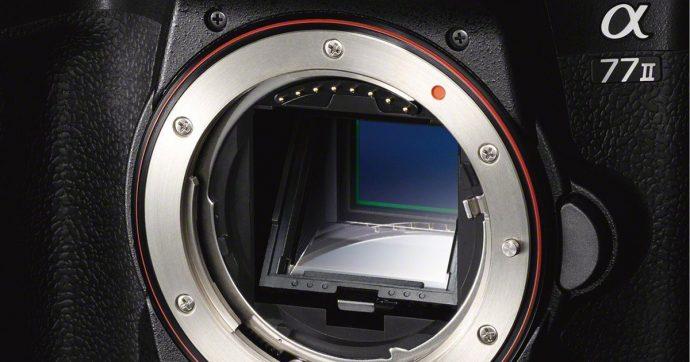 Sony Alpha 77M2, fotocamera digitale reflex da 24 Mpixel in vendita su Amazon con sconto del 42%