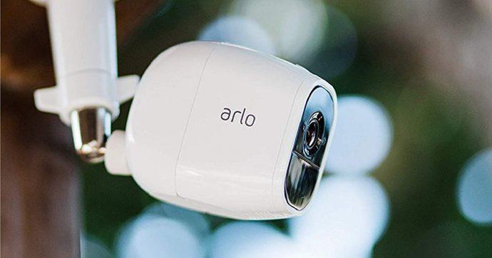 Arlo Pro 2, sistema di videosorveglianza Wi-Fi per interni ed esterni, scontato del 48% su Amazon