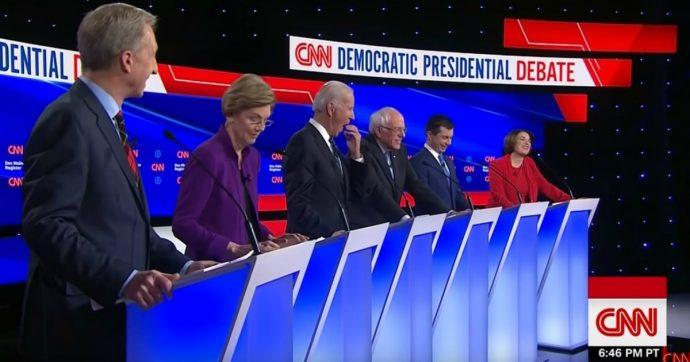 Primarie Usa 2020, il dibattito: Warren rifiuta la stretta di mano di Sanders. Sul palco dem solo candidati bianchi