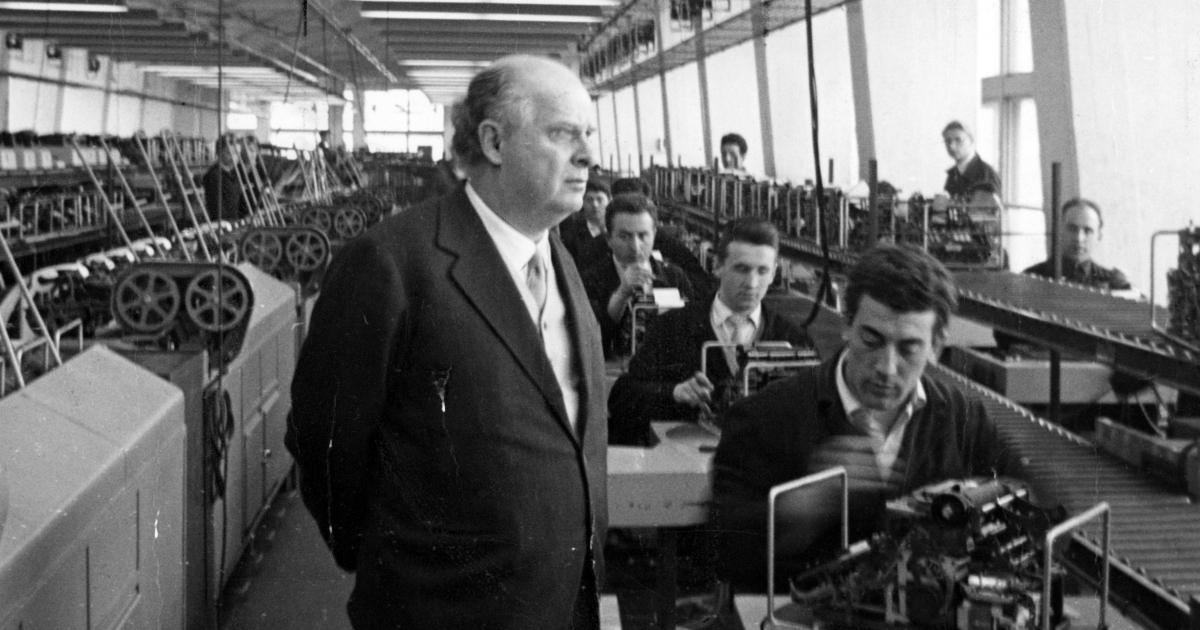 Olivetti, la storia dell'azienda è una metafora dell'incapacità politica nostrana